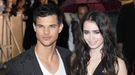 Taylor Lautner y Lily Collins fingen seguir juntos en el estreno de 'Abduction'