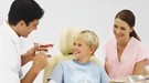 Cómo afrontar la primera visita al dentista de los niños