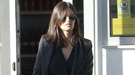 El nuevo look de Sara Carbonero: la chaqueta de pata de gallo resucita