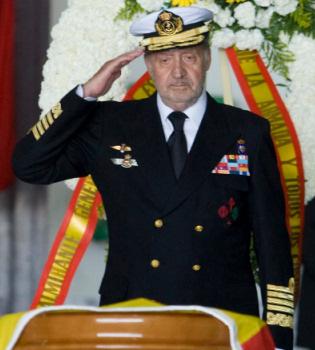 Los Reyes presiden el funeral por los militares muertos en Haití