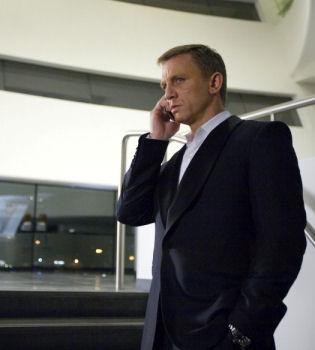 La nueva película de James Bond, suspendida