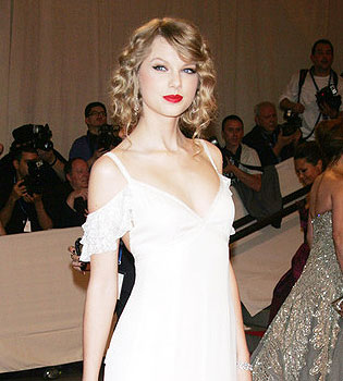 Taylor Swift dona medio millón para Nashville