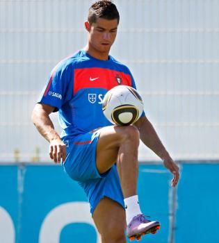 Cristiano Ronaldo ya entrena con la Selección Portuguesa para el Mundial 2010
