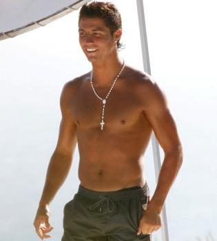 Cristiano Ronaldo, pillado de vacaciones con una joven rusa antes del Mundial