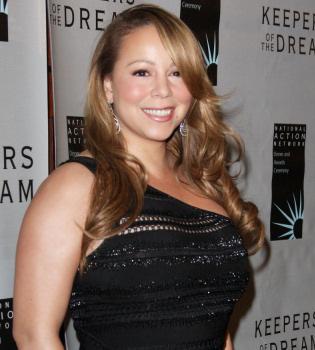 Mariah Carey admite que los kilos de más se deben a su embarazo