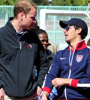 Guillermo de Inglaterra y Joe Jonas, amigos por sorpresa