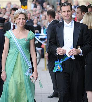 La infanta Cristina e Iñaki Urdangarín distantes en la boda de Victoria de Suecia