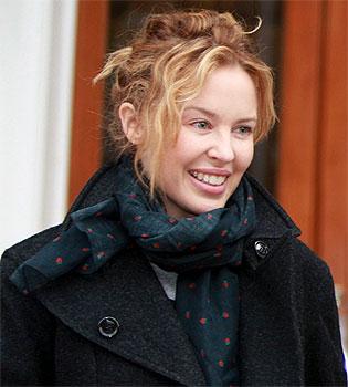 Kylie Minogue confesa que no puede quedarse embarazada