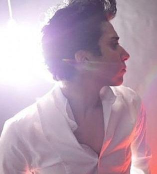 Lady Gaga se disfraza de hombre y da el pego