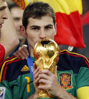 Iker Casillas: 'Mi beso ha sido espontáneo, soy campechano