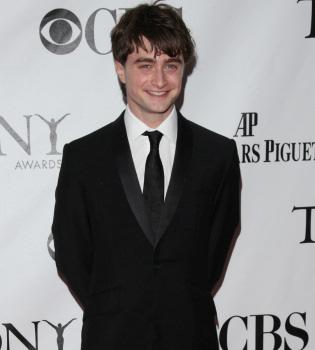 Daniel Radcliffe se pasa al cine de terror gótico