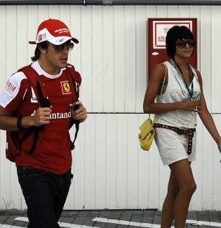 Fernando Alonso y Raquel del Rosario en el Gran Premio de Hungría de F1