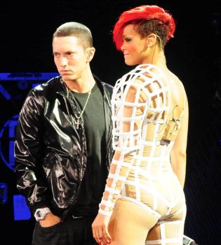 Eminem y Rihanna, criticados por hacer apología de la violencia machista