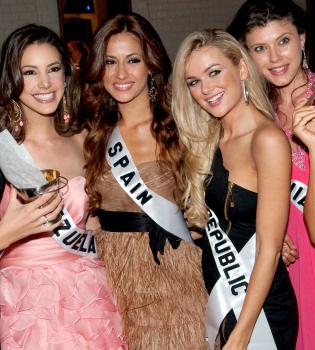 La española Adriana Reveron, dispuesta a convertirse en Miss Universo
