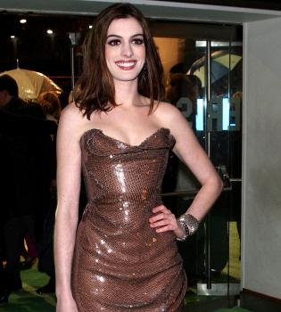 Anne Hathaway, Jennifer Aniston y Liv Tyler, estafadas por su peluquera
