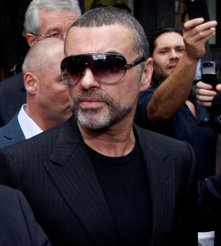 George Michael presta declaración tras ser pillado conduciendo drogado