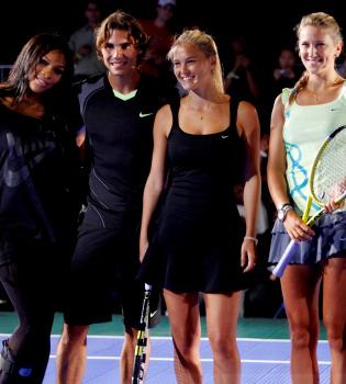 Rafa Nadal despierta los celos de Xisca junto a Bar Rafaeli y Sharapova