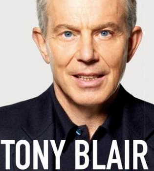 Tony Blair reconoce su adicción al alcohol en sus memorias