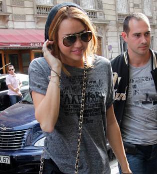 Miley Cyrus graba la película 'LOL' en París
