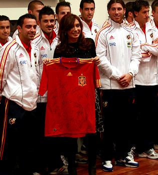 Iker Casillas y el resto de la Selección levantan pasiones en Argentina