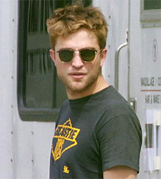 Robert Pattinson, una estrella irritante e invitada en 'El Séquito'