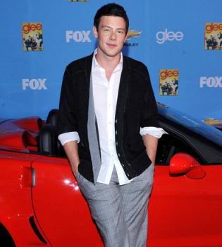 Cory Monteith de 'Glee' presume de Ferrari por Los Ángeles