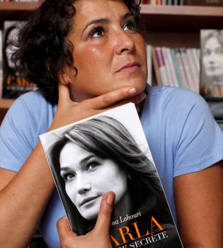 La biografía no autorizada de Carla Bruni llega con morbo
