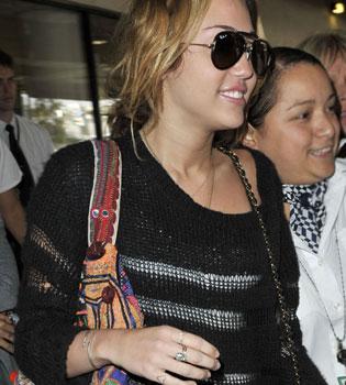 El corazón tatuado de Miley Cyrus es un homenaje a su padre