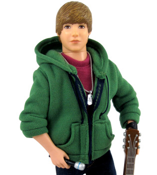 Ya puedes llevarte a casa a Justin Bieber... en versión muñeco