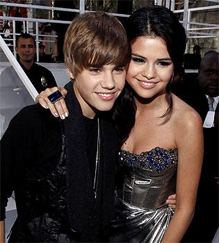 Selena Gomez llama 'idiota' a Justin Bieber y desmiente una relación con el cantante