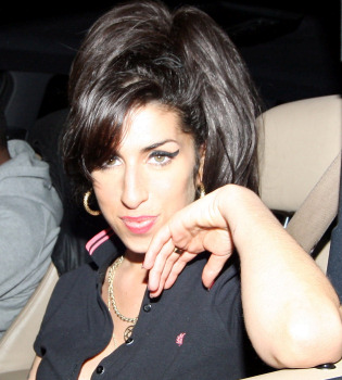 Amy Winehouse diseñadora de Fred Perry