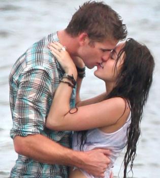 Miley Cyrus  y Liam Hemsworth se besan mejor que Kristen Stewart y Robert Pattinson