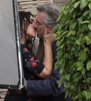 Robert de Niro y Monica Bellucci, pura pasión en el rodaje