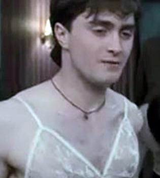 Harry Potter se pone sujetador en 'Las Reliquias de la Muerte'