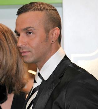 Luis Rollán anuncia emocionado que se casa