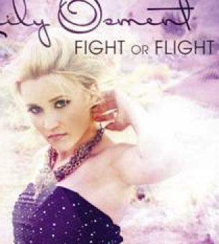 Emily Osment chateará en directo con sus fans en Facebook