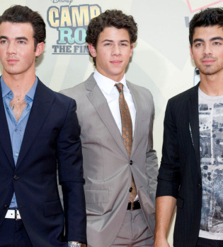 Los Jonas Brothers, acusados de plagiar a Jason Mraz