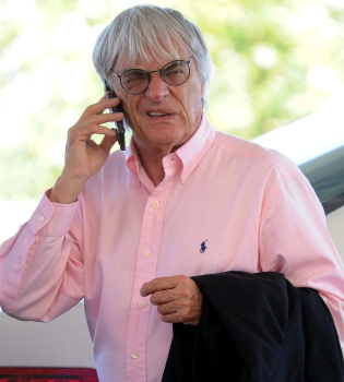 Bernie Ecclestone, dueño de la Fórmula 1, recibe una fuerte paliza que lo lleva al hospital
