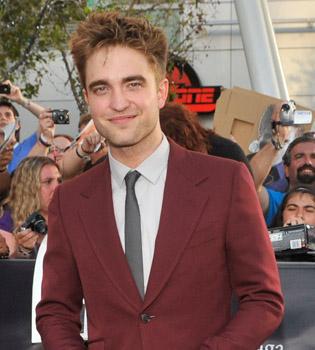Robert Pattinson sale a subasta por una buena causa