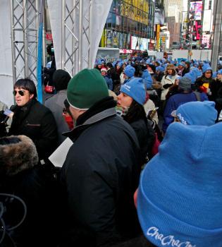 Luis Fonsi, Guiness del Cha Cha Cha en las calles de Nueva York