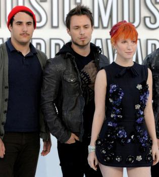Josh y Zac Farro, guitarra y batería, abandonan Paramore