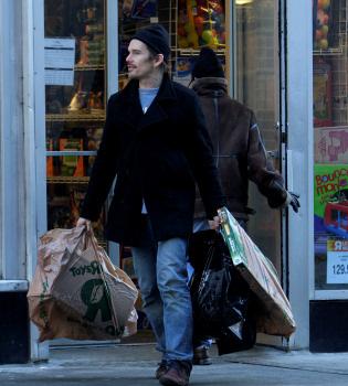 Ethan Hawke, un papá muy generoso en sus compras de Navidad