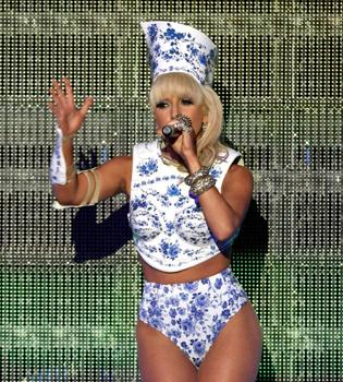 Lady Gaga, además de la más excéntrica, la más solidaria