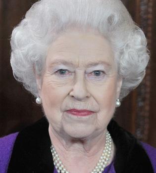 La reina Isabel II despide el año convirtiéndose en bisabuela
