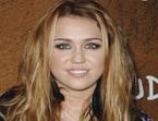Miley Cyrus desea a todos sus fans un feliz año 2011
