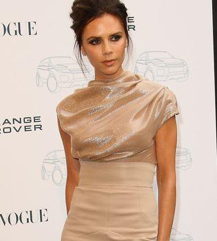 Victoria Beckham se quita los implantes de pecho