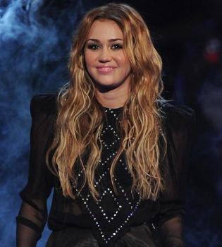 Detienen al hacker que había usurpado la cuenta de Miley Cyrus