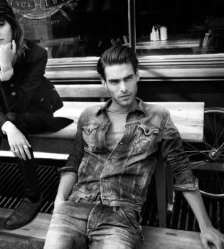 Jon Kortajarena desata pasiones como imagen de Pepe Jeans London