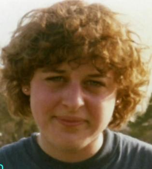 Foto impactante de Ellen DeGeneres: mofletuda y desalineada en su juventud