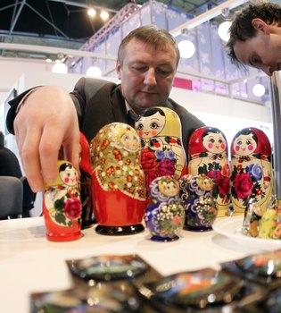 El aumento de visitantes en Fitur 2011 confirma la recuperación del sector turístico